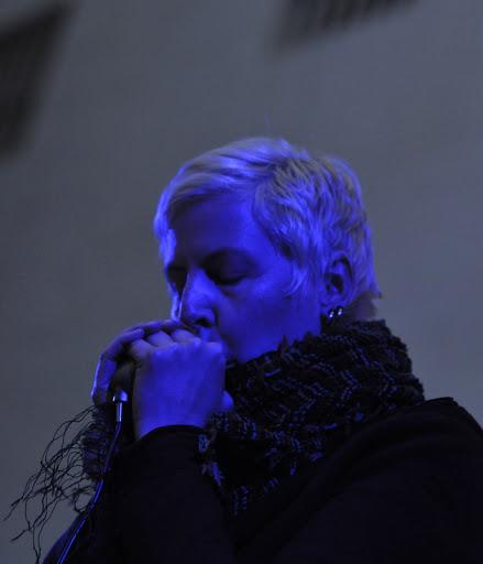 blue_harmonica_tsonami