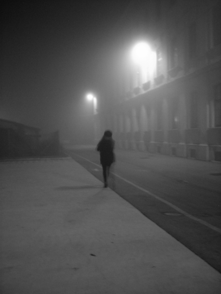 woman_walking_fog